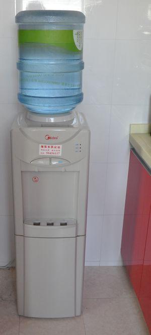 Blog de river el agua de shanghai blog de river for Dispensador agua oficina